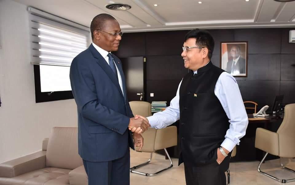 Visite de courtoisie de L'Ambassadeur de l'Inde SEM Y.K Sailas Thangal au Ministre Bruno Nabagné KONE, Ministre de la Construction